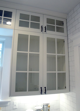 glass door kitchen cabinet