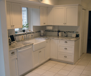 White Frameless Shaker Style Kitchen